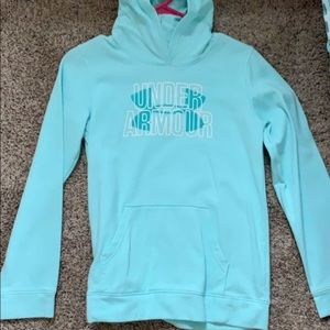 cute UA sweatshirt !!
